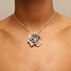 שרשרת ורד משובצת בזירקונים
